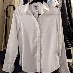 NWT H&M Crisp White Button-Down Shirt 👔✨